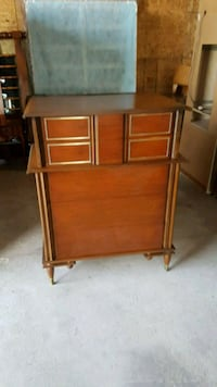 mid century solid wood chest of drawers  Brampton, L6X