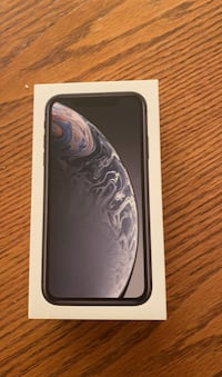 IPHONE XR NEVER USED NEEDS TO GO ASAP. UNLOCKED!