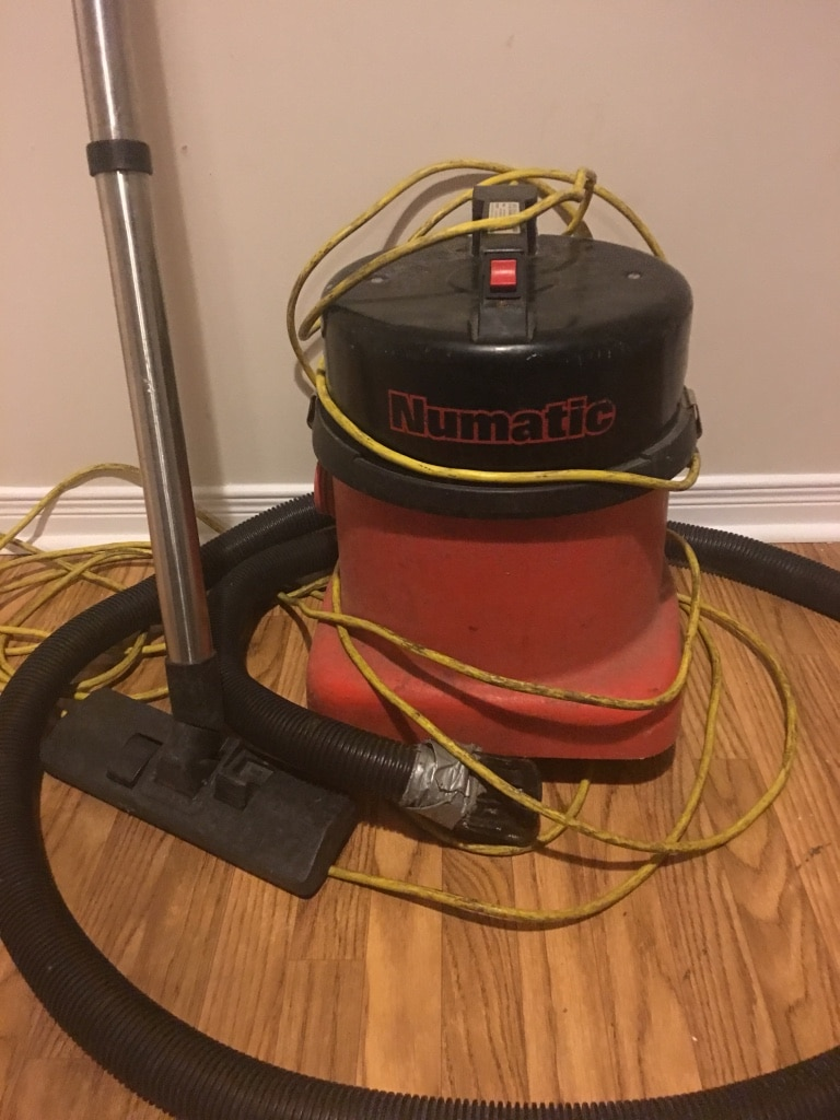 black and red Craftsman wet / dry vacuum cleaner for sale  Ottawa