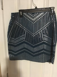 Express stretch pull sequence skirt large  new 17 inch  Harpers Ferry, 25425