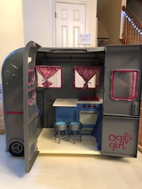 American Girl Doll Sized Camper Bowie, 20720