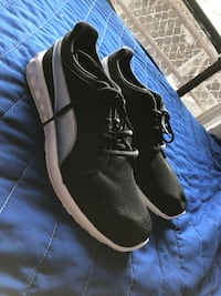 pair of black-and-white Nike sneakers Los Angeles, 90065