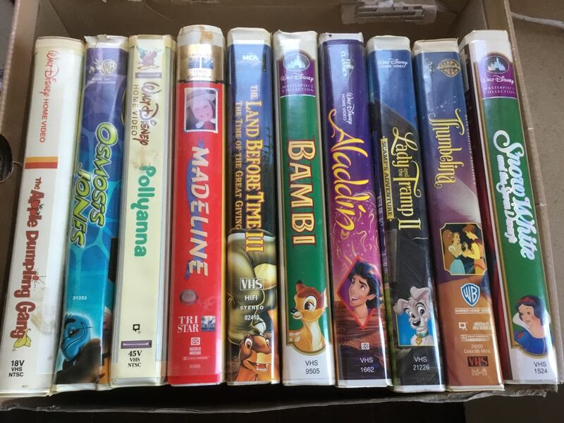 VINTAGE DISNEY CLAM SHELL VHS MOVIES. GOOD SHAPE. PRICED FOR EACH. 4cfb6478-3f08-499b-bcdc-c825318a48ca