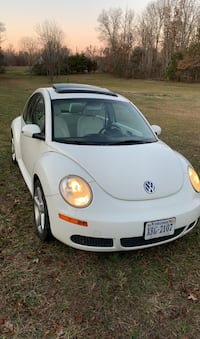 2008 Volkswagen New Beetle Triple White 6AT