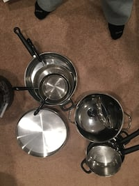 two gray stainless steel cooking pots Vienna, 22182