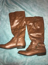 Leather Boots (Long) - Size 7 Red Deer, T4P 0L4