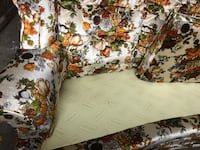 White and multicolored floral fabric sofa Clovis, 88101