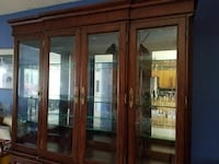 Large Brown Wooden China Cabinet Bellingham, 98226