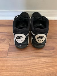 Nike AIR Max men's shoes. Size 9.5
