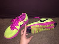 pair of green-and-pink Nike running shoes Blue Springs, 64015