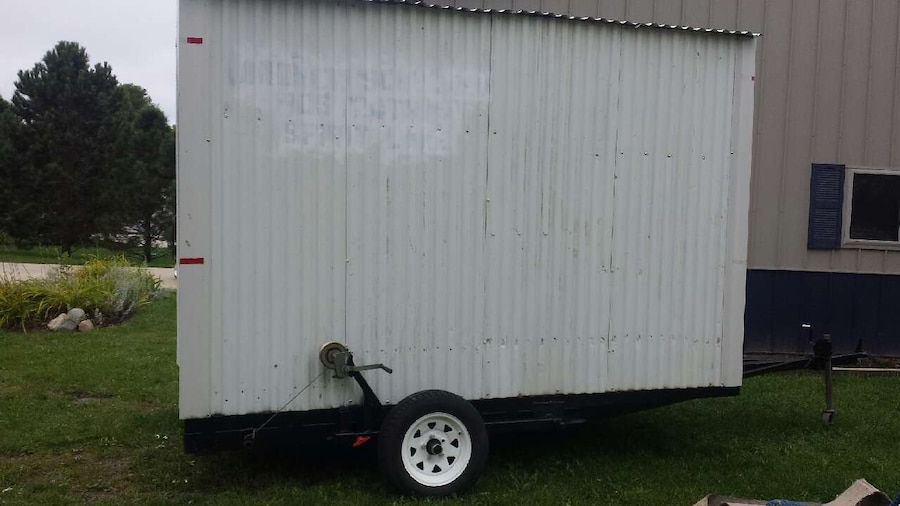 Letgo drop down ice fishing house in arnolds park ia for Ice fishing house parts