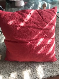 Red cushion 24x24 ,2 for $20