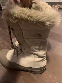 North face boots size 9