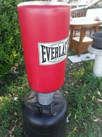 red and black Everlast heavy bag San Antonio, 78201