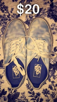 Pair of the dye white and blue vans Guntersville, 35976