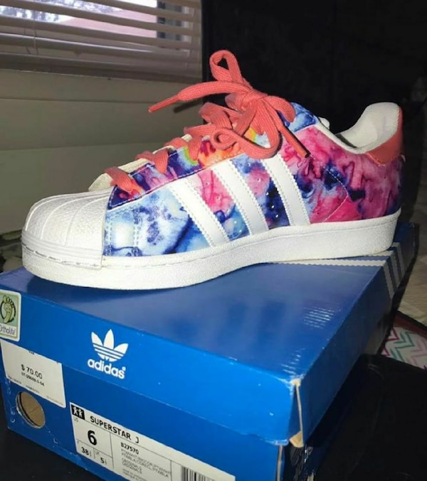 new product 11693 9ba59 blue, white, and red floral Adidas Superstar sneaker with box