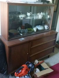 Dining Room Hutch for Sale in Toronto Toronto, M1H 2P7