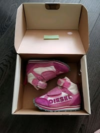 Diesel shoes for toddler size 4 us
