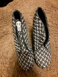 pair of black and white flats Clackamas