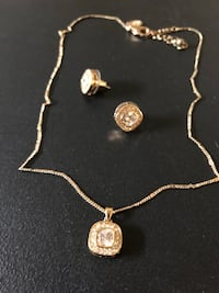 Adjustable gold necklace and earring set
