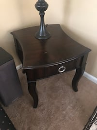 Two side tables in great condition!  Hampton