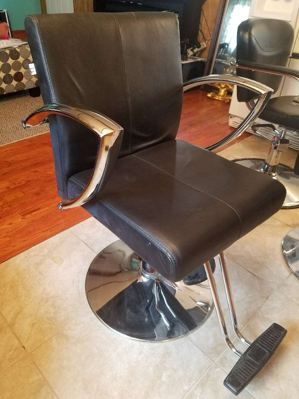 gray metal frame black leather salon chair