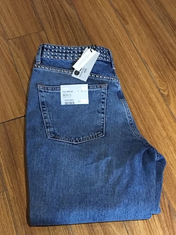 4 PAIRS TOPSHOP JEANS ALL NEW WT,CROP, MOM,STRAIGHT LEG $40 OR $100 ALL f9ef880b-1039-4077-a732-6f0ef013b658
