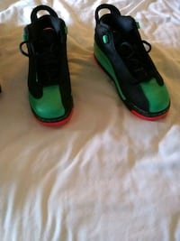 pair of black-and-green Nike basketball shoes Dallas, 75232