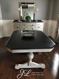 Beautiful Black and grey dining table  Bowmanville, L1C 5C6