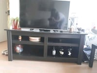 Pending pickup - Tv stand, one scratch  Vancouver, V5N 2K4