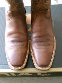 Ariat leather boots Size 8B Fort Knox
