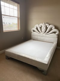 White tufted queen bed frame Las Vegas, 89135