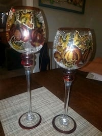 two clear glass candle holders Columbus, 31904