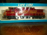Trains for sale. One or all. Two compete sets with tracks,cars,engines Gautier