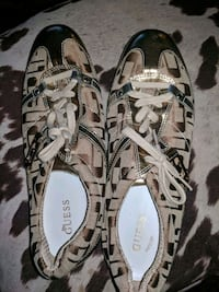 Gold guess shoes 3153 km