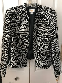 Women's trendy clothes- Beautiful Women's Clothing- New With Tags!