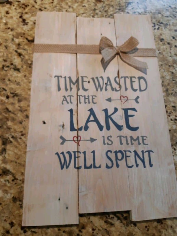 handmade reclaimed wood sign  37022335-a5e2-4eae-b6ad-961fce417ce0