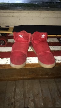 Pair of red Addidas sz. 9 1/2 Park Hills, 63601