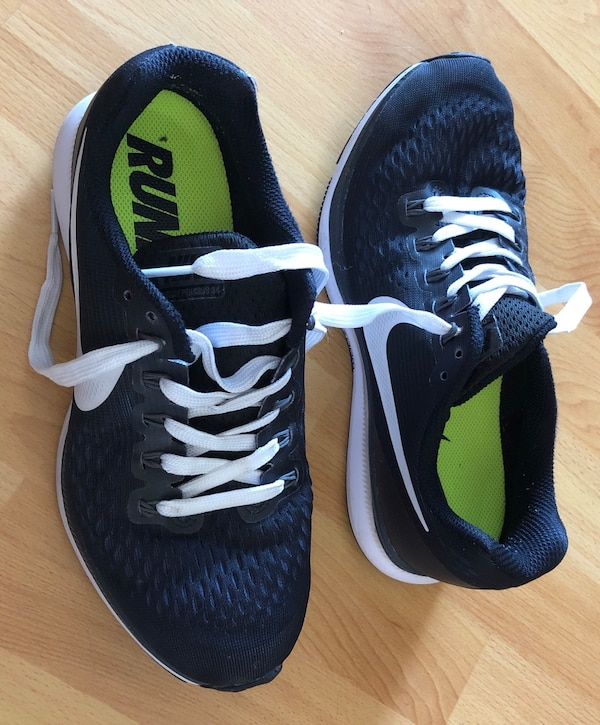 d8645d2d35a48 Used Nike Zoom Pegasus 34 - women s size 9 - great condition