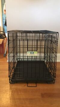 "small 24"" dog crate - great condition- barely used NO ACCIDENTS Arlington, 22204"