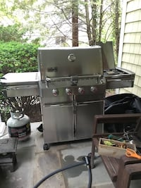 Weber grill S420 like new Fair Lawn, 07410