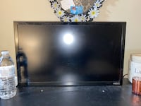 21 inch VIZIO smart tv with remote. Washingtonville, 10992