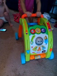 baby's multicolored activity walker Frederick, 21701