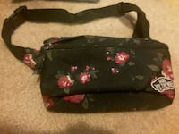 """VANS """"Off The Wall"""" Floral Fanny Pack San Diego, 92129"""