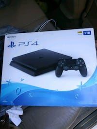 Sony PS4 console with controller box Orlando