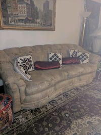 2 piece couch set Springfield, 22153