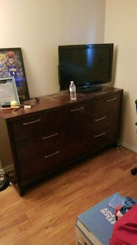 Dresser Norwalk, 90650