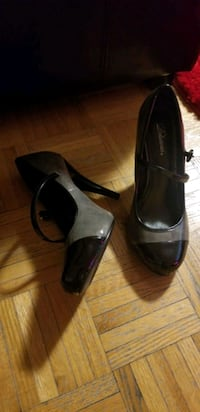 pair of black leather open toe ankle strap heels Toronto, M4X 1J9