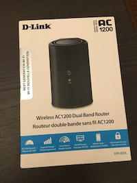 Like new, D-Link DIR-820L AC1200 Dual Band WiFi Router with 4 port Switch. Vaughan, L4J 7Z3