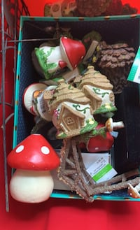 Fairy garden houses      Some like new.       I just found more.  Lol